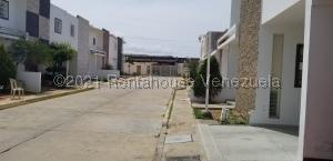 Casa En Ventaen Cabimas, Bello Monte, Venezuela, VE RAH: 22-1097