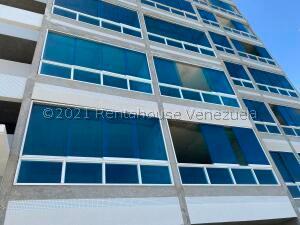 Apartamento En Ventaen Catia La Mar, Playa Grande, Venezuela, VE RAH: 22-1417