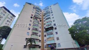 Apartamento En Ventaen Turmero, Zona Centro, Venezuela, VE RAH: 22-1115