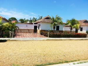 Casa En Ventaen Higuerote, Via Curiepe, Venezuela, VE RAH: 22-1137