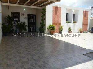 Casa En Ventaen Punto Fijo, Puerta Maraven, Venezuela, VE RAH: 22-1250
