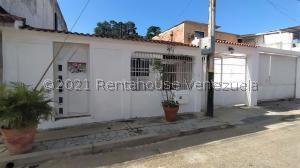 Casa En Ventaen Municipio San Diego, Monteserino, Venezuela, VE RAH: 22-1256