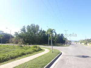 Terreno En Ventaen Higuerote, Puerto Encantado, Venezuela, VE RAH: 22-1371