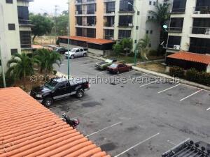 Apartamento En Ventaen Guatire, Solanas Del Avila, Venezuela, VE RAH: 22-1347