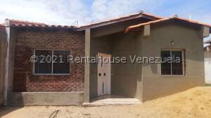 Casa En Ventaen Punto Fijo, Puerta Maraven, Venezuela, VE RAH: 22-1429
