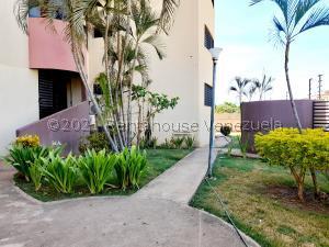 Apartamento En Ventaen Coro, Sector Bobare, Venezuela, VE RAH: 22-1438
