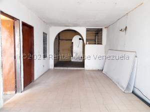 Casa En Ventaen Coro, Sector Independencia, Venezuela, VE RAH: 22-1443