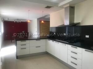 Casa En Ventaen Punto Fijo, Terrazas Club De Golf, Venezuela, VE RAH: 22-1472