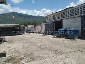 Local Comercial En Ventaen Municipio Naguanagua, Casco Central, Venezuela, VE RAH: 22-1583