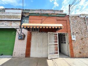 Local Comercial En Alquileren Maracay, El Centro, Venezuela, VE RAH: 22-1505
