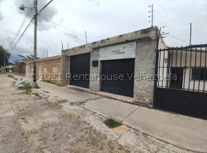 Local Comercial En Alquileren Maracay, Urbanizacion El Centro, Venezuela, VE RAH: 22-1557