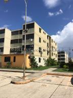 Apartamento En Ventaen Municipio Los Guayos, Buenaventura, Venezuela, VE RAH: 22-1607