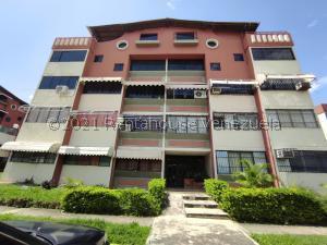 Apartamento En Ventaen Turmero, Campo Alegre, Venezuela, VE RAH: 22-1618