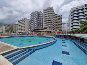 Apartamento En Ventaen Parroquia Caraballeda, Caribe, Venezuela, VE RAH: 22-1661