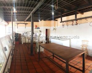 Local Comercial En Ventaen Coro, Centro, Venezuela, VE RAH: 22-1682