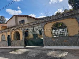 Townhouse En Ventaen San Pedro De Los Altos, Villas Trinidad, Venezuela, VE RAH: 22-1734