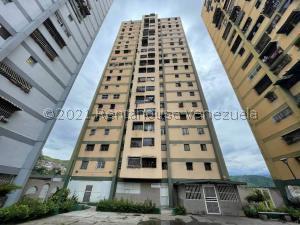 Apartamento En Ventaen Caracas, Caricuao, Venezuela, VE RAH: 22-221