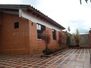 Casa En Ventaen Valencia, Trigal Norte, Venezuela, VE RAH: 22-1786