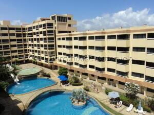 Apartamento En Ventaen Higuerote, Higuerote, Venezuela, VE RAH: 22-1751