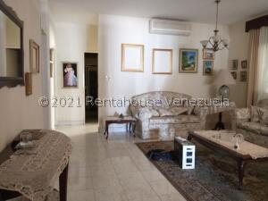 Casa En Ventaen Punto Fijo, Judibana, Venezuela, VE RAH: 22-1775