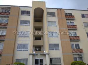 Apartamento En Ventaen Municipio San Diego, Valles Del Nogal, Venezuela, VE RAH: 22-1799