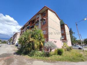 Apartamento En Ventaen Maracay, Madre Maria, Venezuela, VE RAH: 22-1798