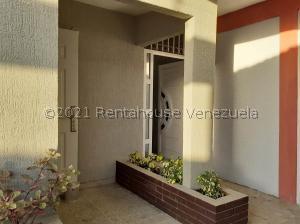 Casa En Ventaen Coro, Sector Los Perozos, Venezuela, VE RAH: 22-3876
