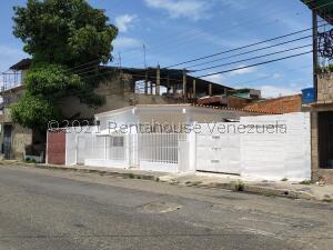 Casa En Ventaen Maracay, Los Olivos Nuevos, Venezuela, VE RAH: 22-1872