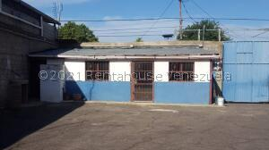 Galpon - Deposito En Ventaen Carora, Municipio Torres, Venezuela, VE RAH: 22-1926