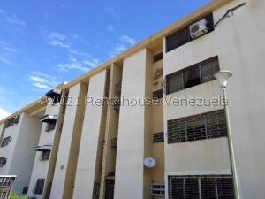 Apartamento En Ventaen Maracaibo, Avenida Goajira, Venezuela, VE RAH: 22-1942