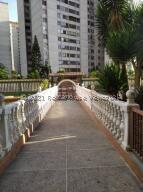 Apartamento En Ventaen San Antonio De Los Altos, La Rosaleda, Venezuela, VE RAH: 22-2807