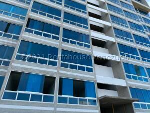 Apartamento En Ventaen Catia La Mar, Playa Grande, Venezuela, VE RAH: 22-2008