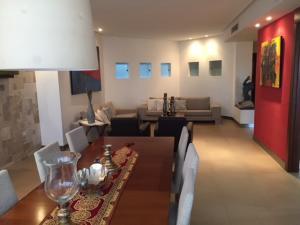 Apartamento En Ventaen Ciudad Ojeda, Calle Piar, Venezuela, VE RAH: 22-2052