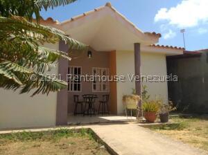Casa En Ventaen Punto Fijo, Guanadito, Venezuela, VE RAH: 22-2058