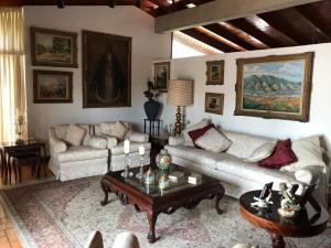 Casa En Ventaen Caracas, Prados Del Este, Venezuela, VE RAH: 22-2115