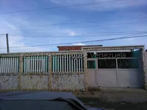Casa En Ventaen Maracaibo, Sabaneta, Venezuela, VE RAH: 22-2114