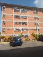 Apartamento En Ventaen Guatire, Parque Alto, Venezuela, VE RAH: 22-2119