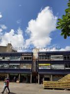 Local Comercial En Ventaen Caracas, Chacaito, Venezuela, VE RAH: 22-7015