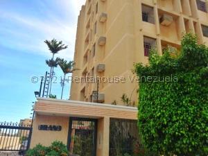 Apartamento En Ventaen Maracaibo, Avenida Bella Vista, Venezuela, VE RAH: 22-1466