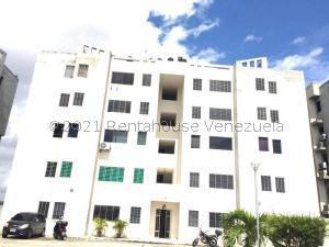Apartamento En Ventaen Municipio Los Guayos, Paraparal, Venezuela, VE RAH: 22-2360