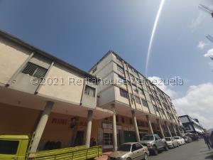 Apartamento En Ventaen Barquisimeto, Centro, Venezuela, VE RAH: 22-2281