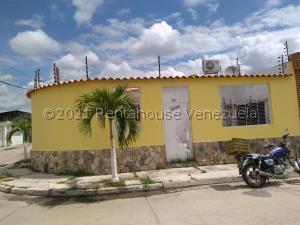 Casa En Ventaen Guacara, Ciudad Alianza, Venezuela, VE RAH: 22-2298