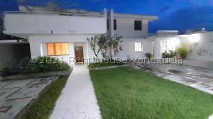 Casa En Ventaen Maracay, Andres Bello, Venezuela, VE RAH: 22-2301