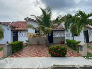 Casa En Ventaen Higuerote, Via Curiepe, Venezuela, VE RAH: 22-3175