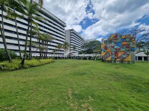 Apartamento En Ventaen Parroquia Caraballeda, Tanaguarena, Venezuela, VE RAH: 22-2414