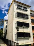 Apartamento En Ventaen Los Teques, Parque Residencial La Quinta, Venezuela, VE RAH: 22-2390