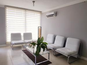 Apartamento En Ventaen Coro, Sector La Floresta, Venezuela, VE RAH: 22-2438