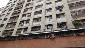 Apartamento En Ventaen Caracas, Parroquia La Candelaria, Venezuela, VE RAH: 22-2452