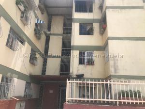 Apartamento En Ventaen Caracas, Caricuao, Venezuela, VE RAH: 22-2456