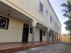 Apartamento En Alquileren Ciudad Ojeda, Avenida Vargas, Venezuela, VE RAH: 22-2470